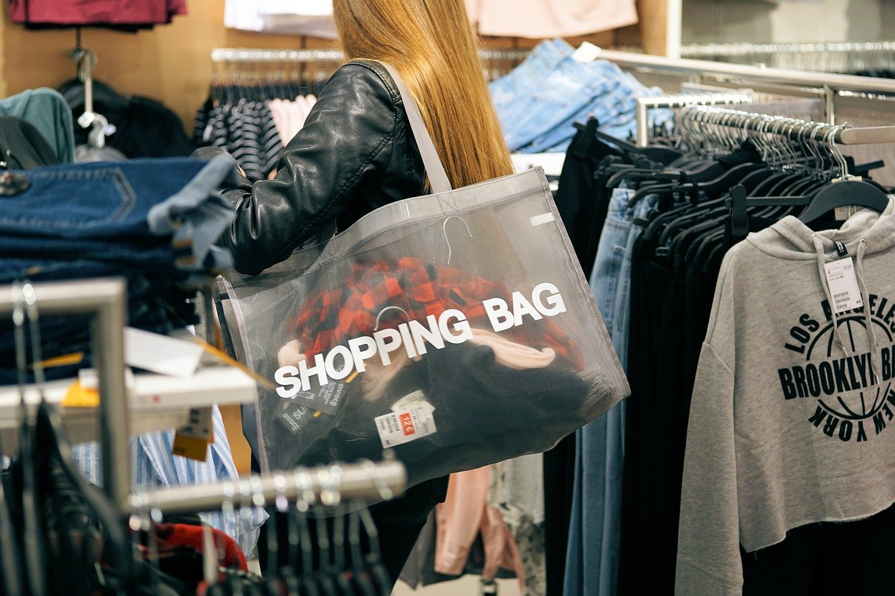 Pourquoi s'inspirer des influenceurs mode pour faire son shopping?